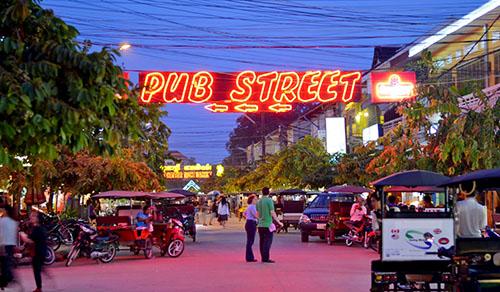 Taxi noi bai gia re – Cuộc sống ở Siem Reap về đêm