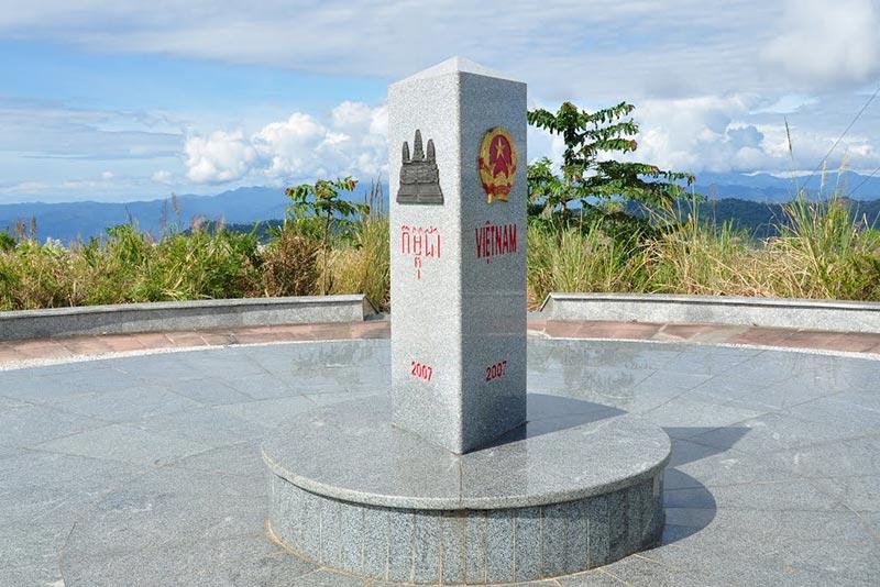 Chinh phục ngã ba Đông Dương