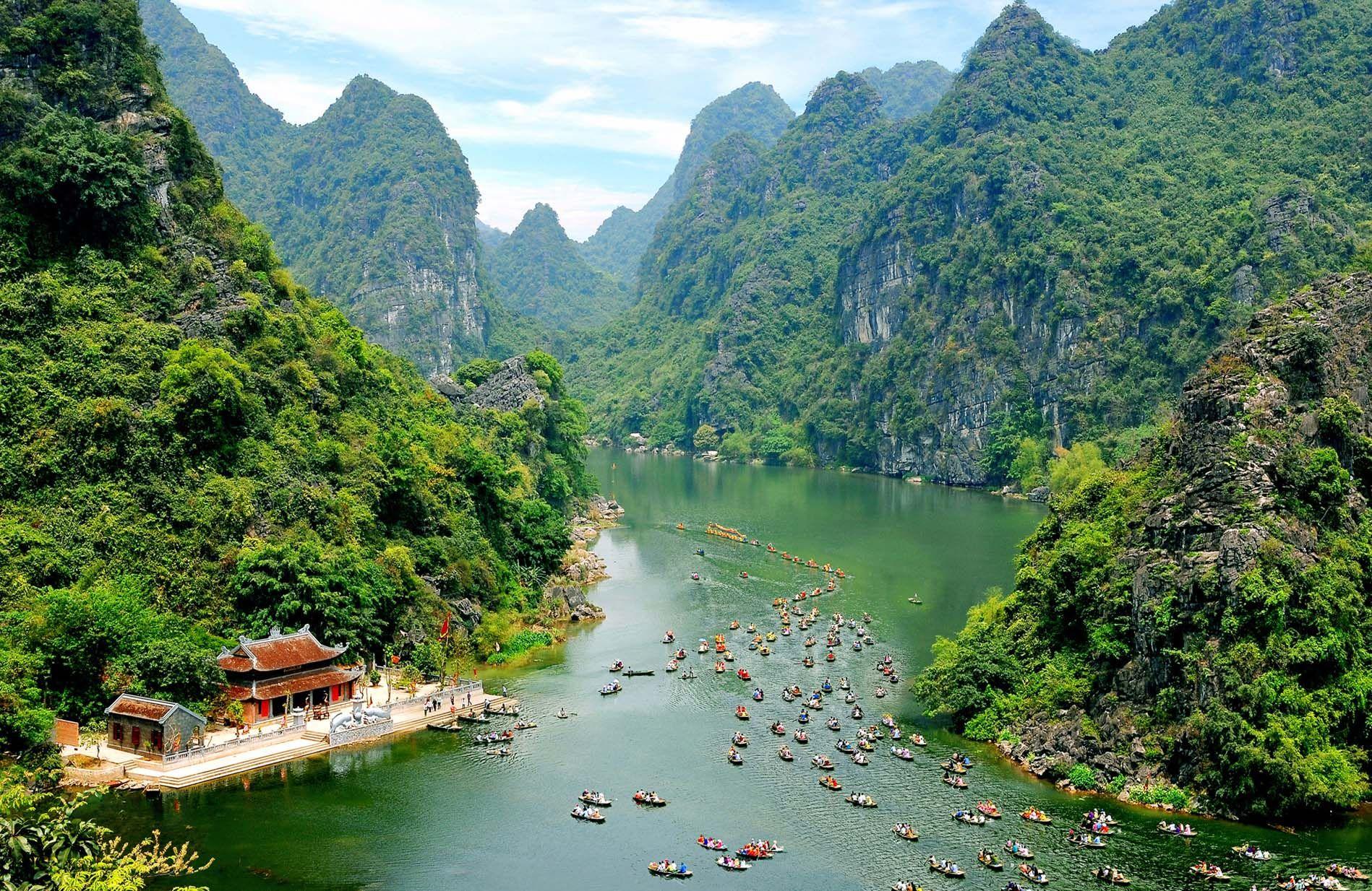3 khu du lịch tự nhiên phải kể đến tại Ninh Bình